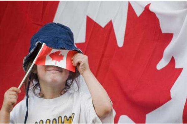 加拿大生孩子